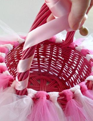 Wrap the Easter basket handle with ribbon