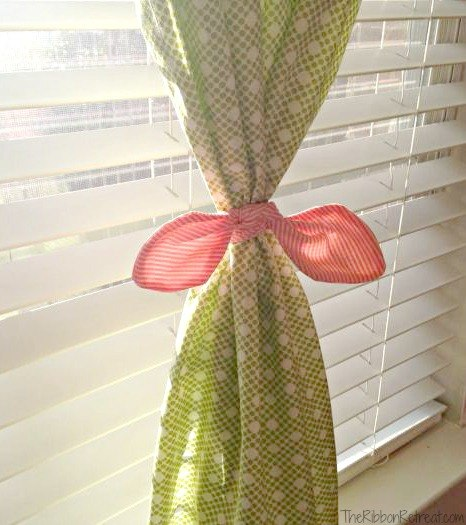 DIY Custome Tie Curtains - The Ribbon Retreat Blog