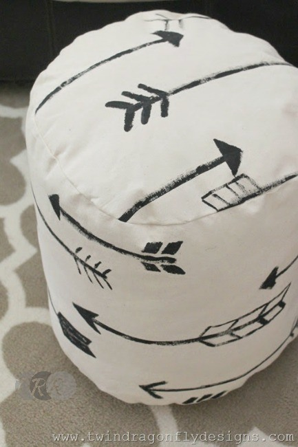 DIY Arrow Floor Pouf - The Ribbon Retreat Blog