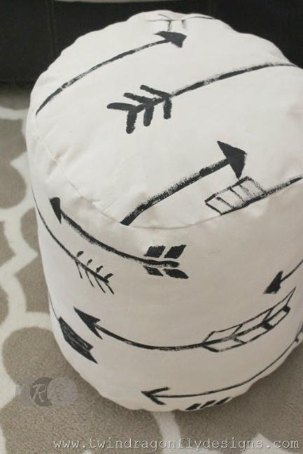 DIY Arrow Floor Pouf - The Ribbon Retreat Blog