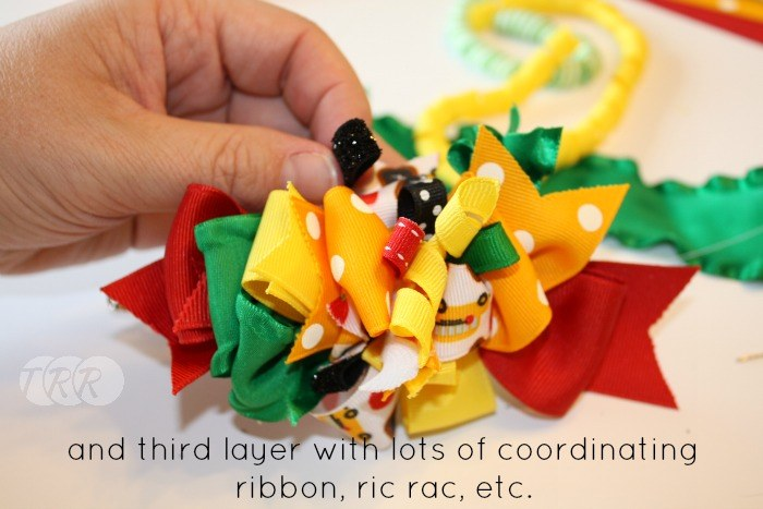 "Ribbon and Ric Rac Funky Loops Bow {A-Z Series, ""R""} - The Ribbon Retreat Blog"