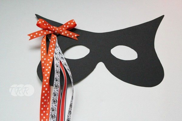 Easy Ribbon Mask - The Ribbon Retreat Blog