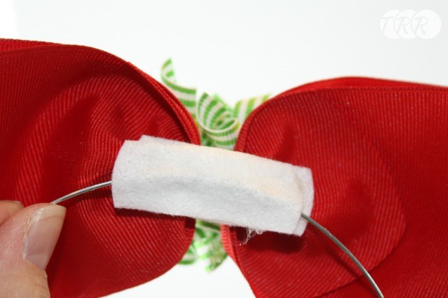 Easy Holiday Hair Bows - The Ribbon Retreat Blog