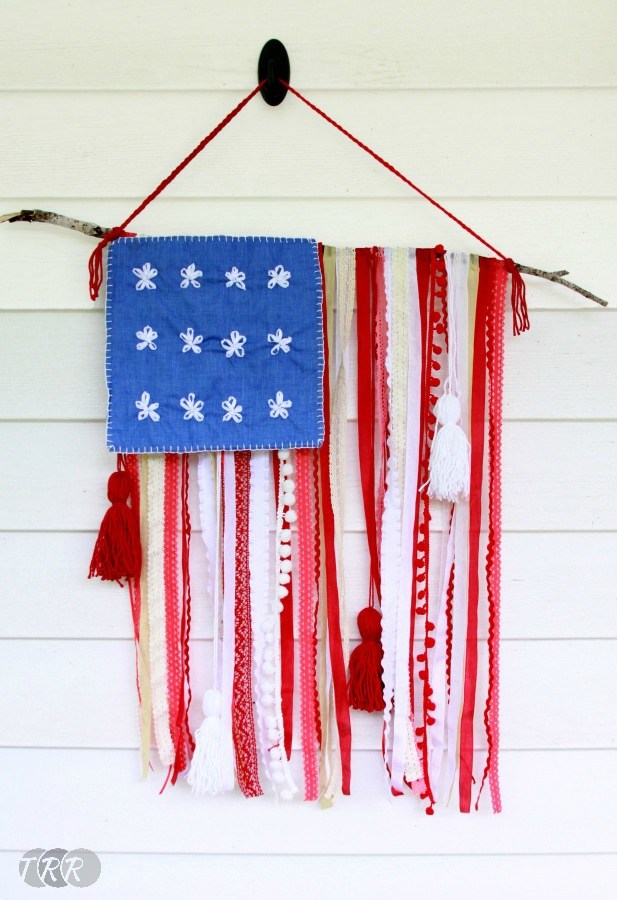 Lace and Ribbon Rustic USA Flag - The Ribbon Retreat Blog