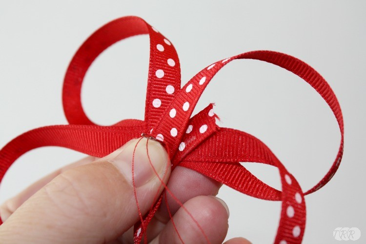 how to make a miniature ribbon bow