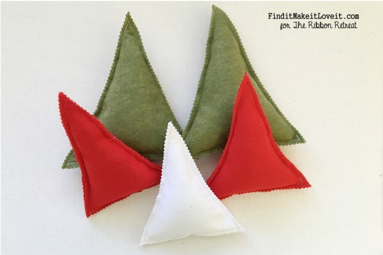 Felt christmas trees and garland the ribbon retreat blog Christmas tree ribbon garland