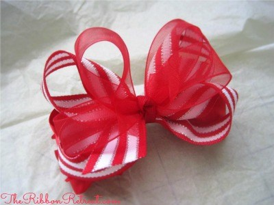 Christmas Stripe Bow - {The Ribbon Retreat Blog}