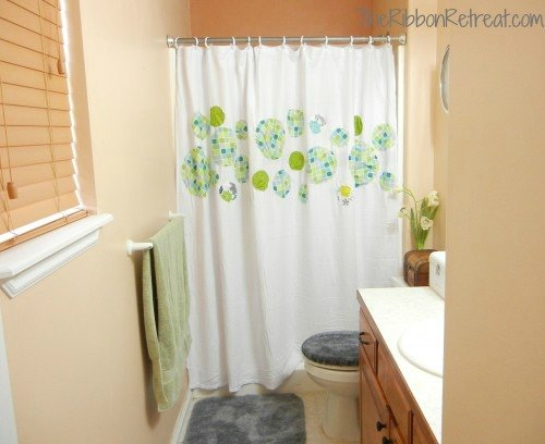 Easy Shower Curtain - {The Ribbon Retreat Blog}