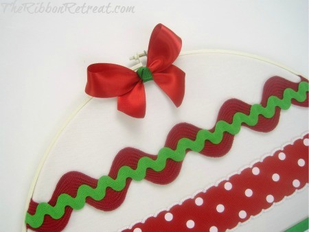 Embroidery Hoop Decor - {The Ribbon Retreat Blog}