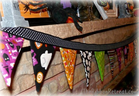 DIY Halloween Crafts - tons of tutorials! - {The Ribbon Retreat Blog}
