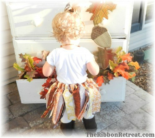 Fabric Tutu - {The Ribbon Retreat Blog}