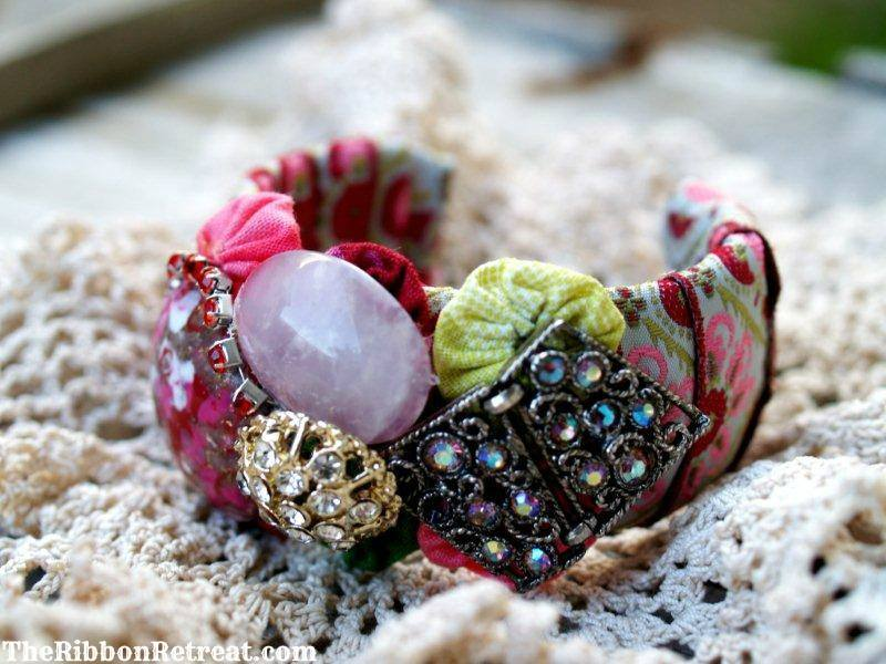 Flamingo Toes Bracelet Knockoff - {The Ribbon Retreat Blog}