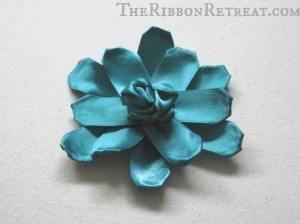 Flower Accessories - {The Ribbon Retreat Blog}