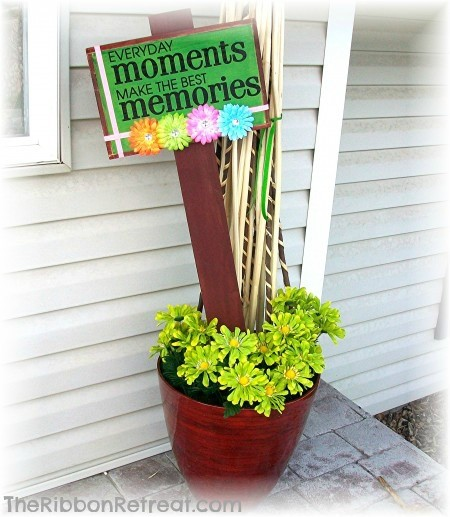Flower Plaque - {The Ribbon Retreat Blog}