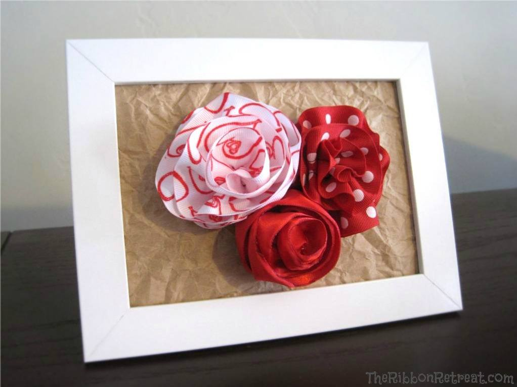 Framed Ribbon Roses - {The Ribbon Retreat Blog}