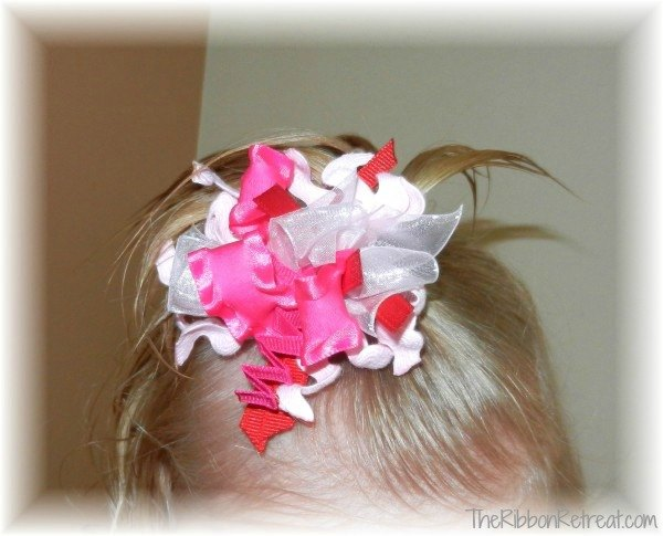 Funky Loops Pom Pom - {The Ribbon Retreat Blog}