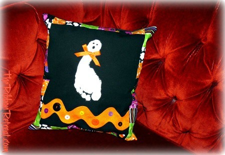 Ghost Footprint Pillow - {The Ribbon Retreat Blog}