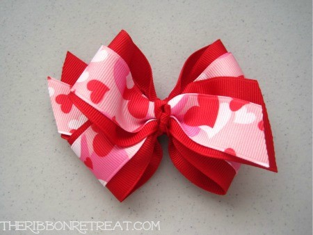 Hearts Camo Bow - {The Ribbon Retreat Blog}