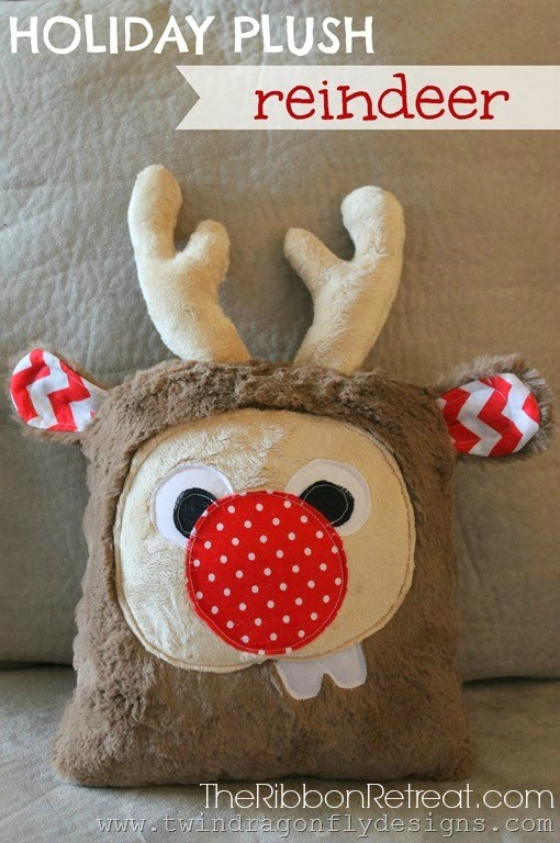Holiday Plush Reindeer - The Ribbon Retreat Blog