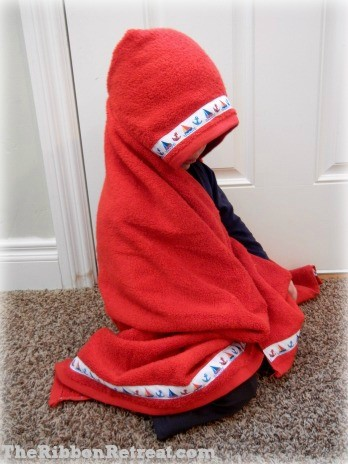 Hooded Towel Tutorial - {The Ribbon Retreat Blog}