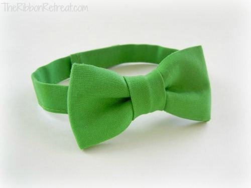 How To Make A Bow Tie - {The Ribbon Retreat Blog}