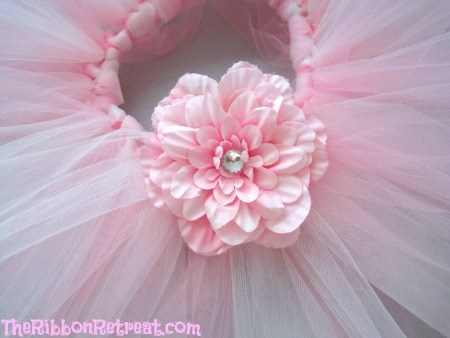 How To Make A Flower Clip - {The Ribbon Retreat Blog}