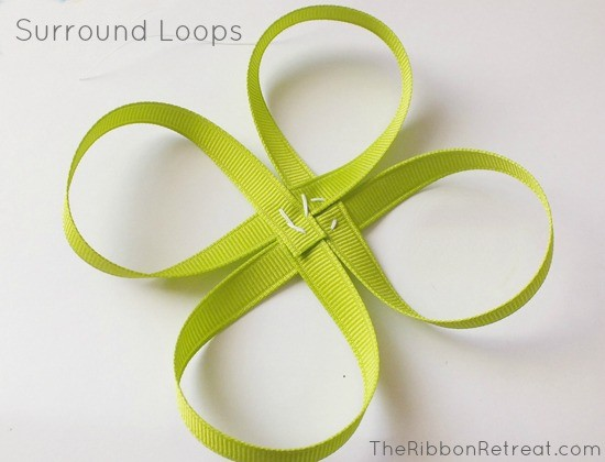 How to Make Bows: Surround Loops {The Ribbon Retreat Blog}