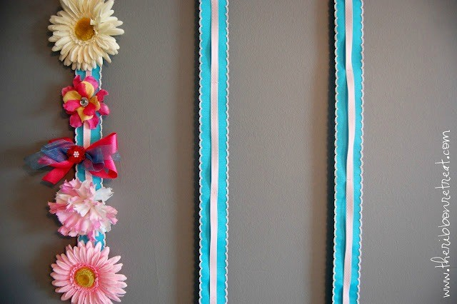 Super cute hair bow holder, and easy to make too!