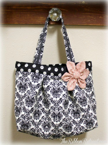 Isabella Tote - {The Ribbon Retreat Blog}