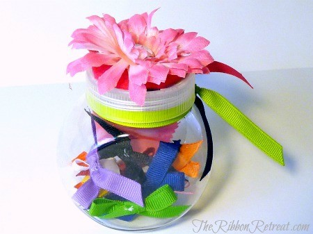 Itty Bitty Baby Bows - {The Ribbon Retreat Blog}