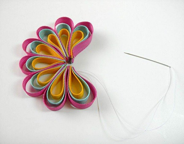 Loopy Ribbon Flower - The Ribbon Retreat Blog