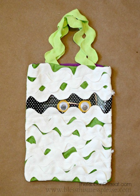 Mummy Trick or Treat Bag - The Ribbon Retreat Blog