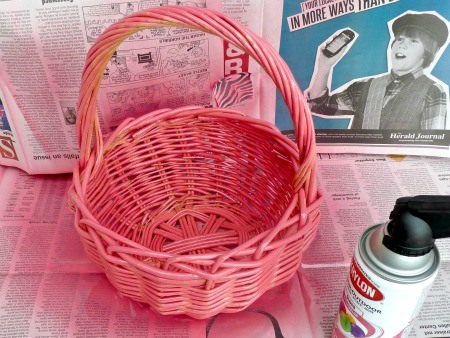 Spray Paint a Basket Pink