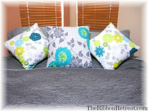 Pillow Upscale - {The Ribbon Retreat Blog}