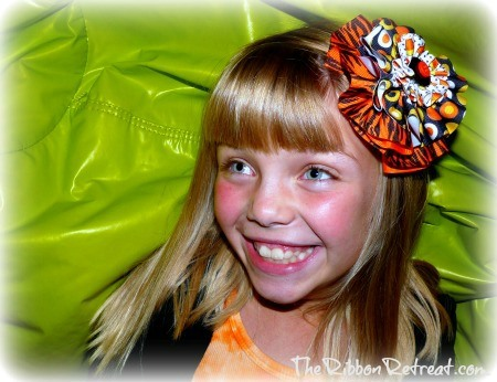 Ribbon Circle Halloween Bow - {The Ribbon Retreat Blog}