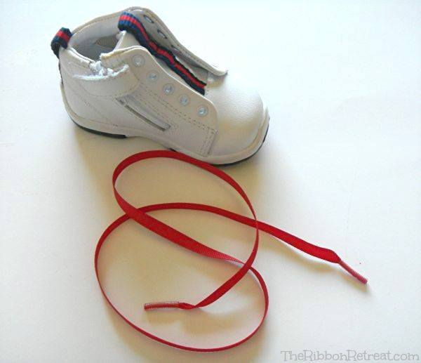 Ribbon Shoe Lace Tutorial - The Ribbon Retreat Blog