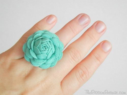 Ric Rac Rose Tutorial - The Ribbon Retreat Blog
