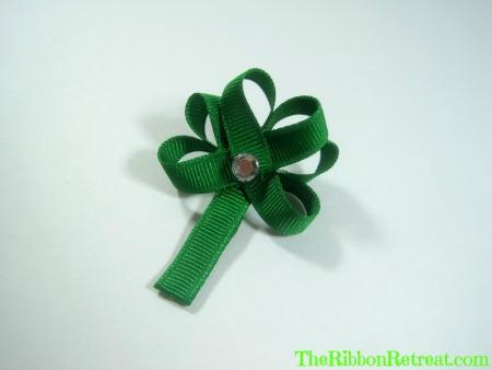 Shamrock Ribbon Sculpture - {The Ribbon Retreat Blog}