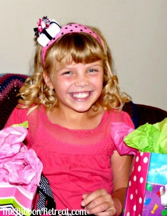 Time for Presents Birthday Bow - {The Ribbon Retreat Blog}