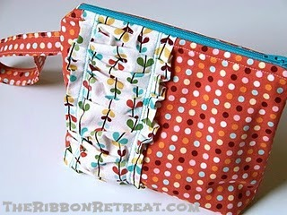 Wristlet Pouch - {The Ribbon Retreat Blog}