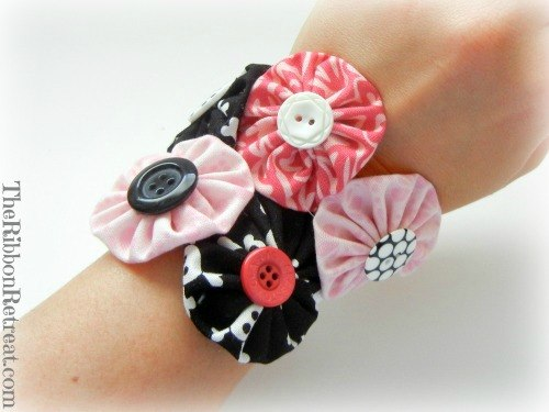 Yo-Yo Bracelet - {The Ribbon Retreat Blog}
