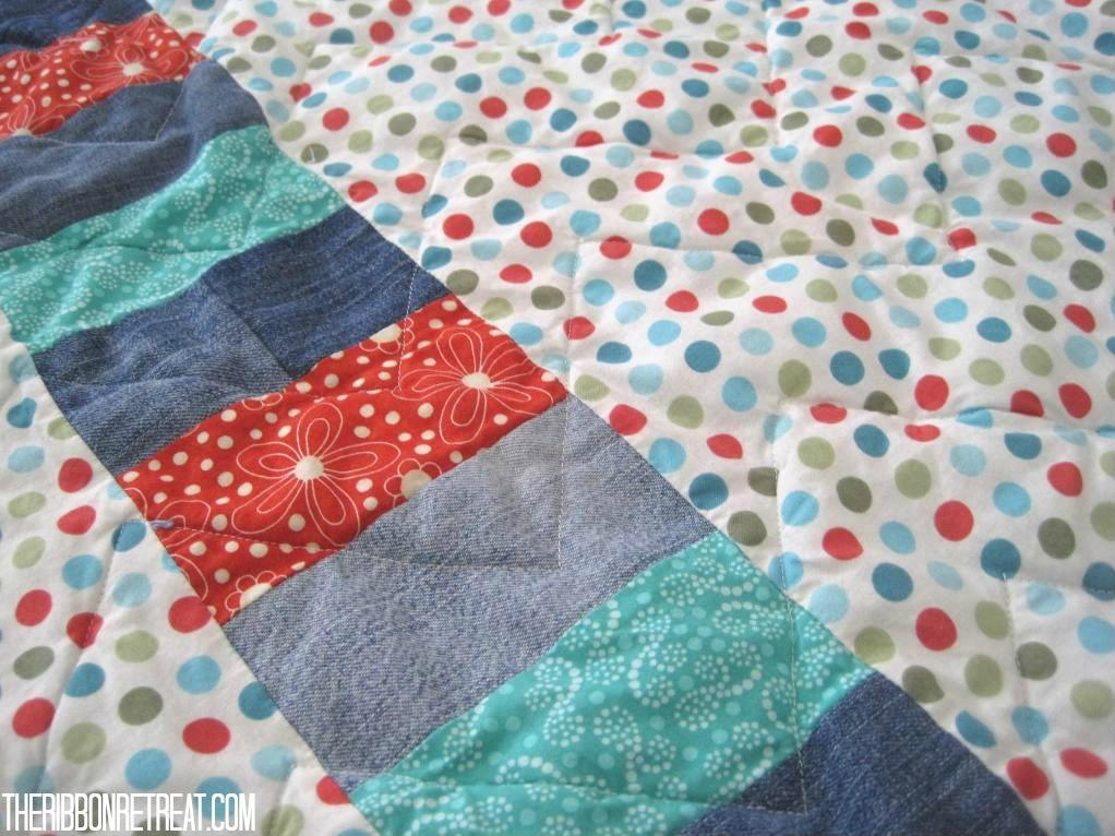 Zig Zag Quilt - {The Ribbon Retreat Blog}