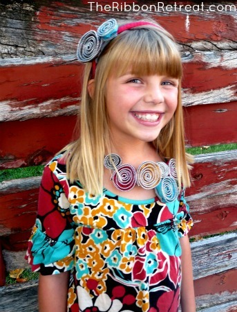 Zipper Flower Necklace and Headband - {The Ribbon Retreat Blog}
