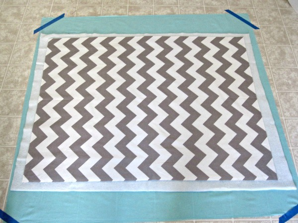 Easy Chevron Quilt Tutorial - Use Chevron FABRIC! {The Ribbon Retreat Blog}