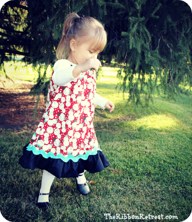 Christmas Pillowcase Tutorial - Easy dress for your cutie this Christmas! {The Ribbon Retreat Blog}