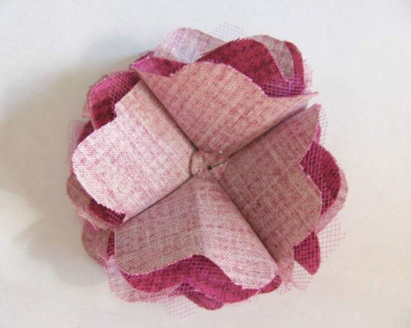 Fabric Mesh Flower Tutorial - Add to a clip, headband, etc. Easy and cute! {The Ribbon Retreat Blog}