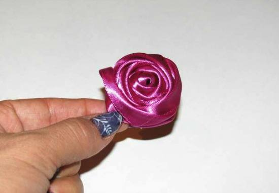 How to Make a Rosebud - Great for hair accessories, home decor, jewelry, clothing and so much more! {The Ribbon Retreat Blog}