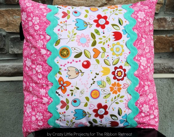 Learn how to make an envelope pillow