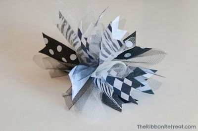 Spikey Bow Tutorial - Super easy and cute to match any outfit! {The Ribbon Retreat Blog}
