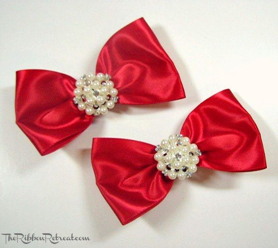 Tuxedo Bow Shoe Clip Tutorial - Learn how to attach shoe clips to bows. Attach them to flowers and so much more! {The Ribbon Retreat Blog